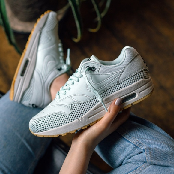 d41afaeee2 Nike Air Max 1 Si Women's Shoes